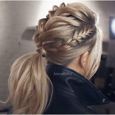 Braided Updo Hairstyles ❤️ Hair updos are really po… Updo braided hairstyles ❤️ Hair hair are very popular now and it's no wonder why. It does not matter if you are a student or a politician – there is always something for you! Valentine's Day Hairstyles, Braided Hairstyles Updo, Pretty Hairstyles, Wedding Hairstyles, Hairstyle Ideas, Braided Updo, Ponytail Updo, Twisted Ponytail, Low Ponytails