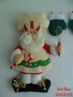DECORAR TALLER DE MANUALIDADES: ABUELOS NAVIDEÑOS Christmas Projects, Felt Crafts, Christmas Time, Christmas Crafts, Christmas Ornaments, Felt Christmas Decorations, Holiday Decor, Bazaar Crafts, Christmas Sewing