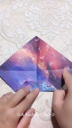 Geometric Origami Birds – Modern Wall Pattern Vinyl Decal / Sticker Set For Home, Kids Room, Nursery, Bedroom. Mobil Origami, Instruções Origami, Origami Ball, Origami Videos, Origami Heart, Diy Crafts Hacks, Diy Crafts For Gifts, Diy Arts And Crafts, Creative Crafts