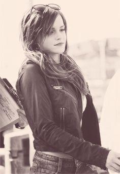 I think Emma looks pretty this way.