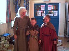 Kids in Celtic dress