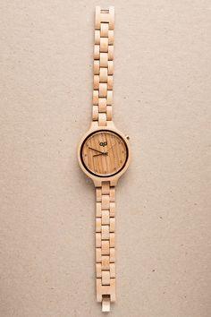 Dámské dřevěné hodinky s krystaly Swarovski