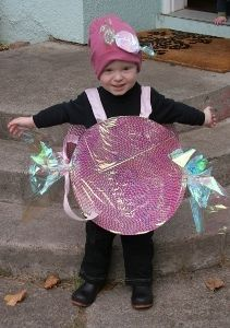 $5 No-Sew Candy Costume