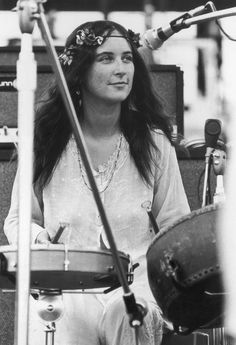 Christina 'licorice' Mckechnie, Of English Pop Group The Incredible String Band, Performing At The Woodstock Music Festival 1969 Woodstock, Festival Woodstock, Woodstock Hippies, Hippie Woodstock, Woodstock Music, Woodstock Photos, Woodstock Concert, Woodstock Fashion, Hippie Style