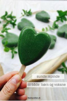 Sunde is - prøv disse sunde ispinde lavet med broccoli og spinat men som stadig smager sødt og dejligt. Opskrift her: Madbanditten.dk