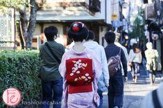 #maiko spotted in Ponto-chō: http://fashionecstasy.com/travel-exploring-the-4-geisha-geikomaiko-districts-in-kyoto-japan/ #kimono #travel #maiko #geiko #geisha #kyoto #japan #japaneseculture #pontocho