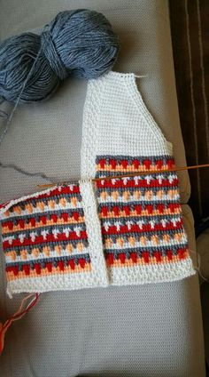 This Pin was discovered by Ayş - Harika El işleri-Hobiler Crochet Afgans, Crochet Quilt, Tapestry Crochet, Tunisian Crochet, Crochet Motif, Crochet Designs, Crochet Baby, Diy Crafts Knitting, Diy Crafts Crochet