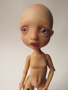 Mystery face up ^^   Flickr - Photo Sharing! Another wonderful sculpt by Nefer Kane