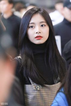 Twice-Tzuyu 181011 Gimpo Airport to Japan