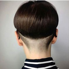 WEBSTA @ luvbowlcuts - We've been meaning to post this amazing #bowlcut nape view from @presleypoe forever. Check out the creativity on the fade. So good #bowlcutrevolution #bowlcutinspiration #bowlcutsarebackbaby