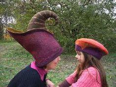 Bea-nemez: november 2012 :O Funky Hats, Crazy Hats, Nuno Felting, Needle Felting, Felt Hat, Wool Felt, Animal Hats, Felt Fabric, Felt Crafts