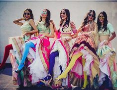 Looking for Indian bachelorette party ideas ? We've made the ultimate Indian Bachelorette Party Checklist so that you can have a super hot hens party! Bachelorette Party Checklist, Bachelorette Parties, Indian Bridesmaids, Bridesmaid Dress, Bollywood, Tea Party Bridal Shower, Indian Bridal Party, Shower Party, Wedding Poses
