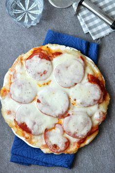 Klasszikus Margherita Pizza gluténmentesen A világ legnépszerűbb étele, szinte nincs, aki ne szeretné: ez a pizza. Hogy a gluténérzékenyeknek se kelljen lemondani róla, elkészítettük búzaliszt helyett rizsliszttel.