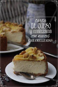 Tarta de queso y manzana con nueces caramelizadas   Con las zarpas en la masa    Cheese and apple cake with caramelized walnuts (in Spanish with traslator on the side)