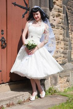 Buy Wedding Dresses Online. Great Selection and Excellent Prices. Checkout Safe and Securely.