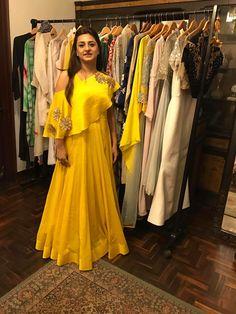 Choli Designs, Lehenga Designs, Blouse Designs, Indian Wedding Gowns, Indian Gowns, Indian Weddings, Indian Bridal, Indian Wear, Wedding Dresses