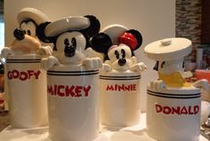 22 Funny Disney Kitchen Ideas for New Dimention in Your House - Cozinha Do Mickey Mouse, Mickey Mouse Kitchen, Minnie Mouse Mug, Mickey Mouse Birthday, Casa Disney, Disney Rooms, Disney Disney, Disney Ideas, Disney Kitchen Decor