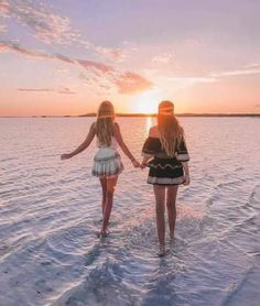 Super photography poses for friends bff beach pictures 46 ideas