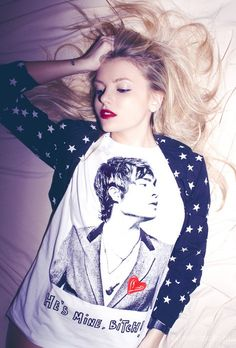 Hannah Murray and Ed Westwick Id wear him on my chest any day!;)