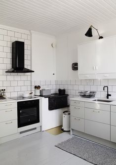 kitchen decor decor with coffee theme chef kitchen decor decor ideas themes decor themes ideas kitchen decor mouse kitchen decor kitchen decor Kitchen Decor, Kitchen Renovation Inspiration, House Interior, Kitchen Design, Scandinavian Interior Kitchen, Kitchen Design Trends, Chef Kitchen Decor, Home Decor, Home Decor Tips