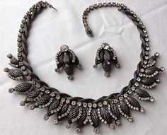 VINTAGE-ALICE-CAVINESS-SIGNED-CLEAR-RHINESTONE-NECKLACE-AND-EARRINGS