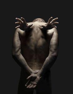 可怕的流離失所肢體攝影:o萊斯電源