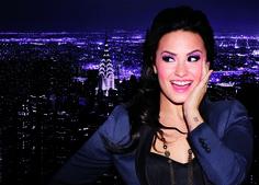 Demi Lovato & New York Color per Get it All Collection - Sguardo in primo piano per una collezione strong e cittadina ispirata alle grande metropoli. New York Color presenta la nuovissima collezione per un make-up impeccabile per il rientro.  - Read full story here: http://www.fashiontimes.it/2015/07/demi-lovato-new-york-color-per-get-it-all-collection/