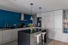 Maison esprit atelier, bespoke kitchen in matt lacquer, bookcase, blue wall . Furniture, Kitchen Inspirations, White Kitchen, Bespoke Kitchens, Kitchen Decor, Bookcase, Home Decor, White Modern Kitchen, Modern Decor