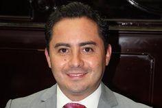 Ante la difícil situación económica, en el estado y el país, el diputado del PRI pidió al gobierno estatal hacer sinergia con la autoridad federal, para establecer nuevas rutas de ...