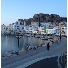 Descreve o teu pin... Karpathos City - Greece