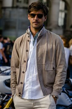 menswear that look cool. that look cool. Most Stylish Men, Stylish Mens Fashion, Look Fashion, Paris Fashion, Womens Fashion, Mens Trends, Mens Clothing Styles, Look Cool, Men Casual