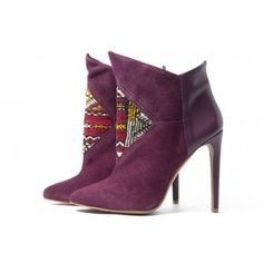 Love these Howsty Etnia Boots in Burgundy