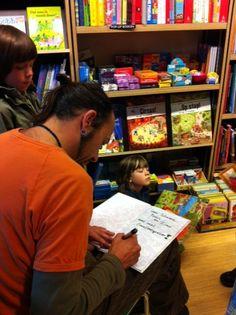 3 oktober 2012: Opening kinderboekenweek met theatervoorstelling Ridder Ratjetoe en de Drakameel. Signeren door Stefan Wolters