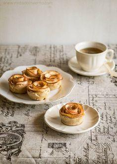 Rosas de manzana, tartaletas con gajos de manzana en forma de rosa y base de masa quebrada. Receta con fotos paso a paso y consejos