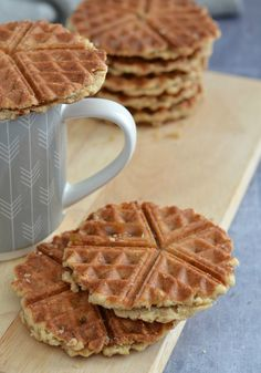 The Crazy Kitchen: Caramel Stroopwafels Crazy Kitchen, Great British Bake Off, Homemade Cookies, No Bake Treats, Everyday Food, A Food, Waffles, Caramel, Sweets