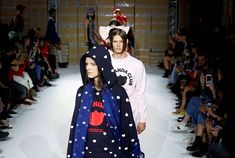 Collection de streetwear Amazon Mode Amazon Mode, Snow White, Disney Characters, Fictional Characters, Darth Vader, Disney Princess, Snow White Pictures, Sleeping Beauty, Fantasy Characters