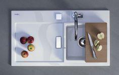 Pour la première fois, le créateur s'est attaqué à l'évier de cuisine. Laver la vaisselle, éplucher les légumes, égoutter l'eau des nouilles – l'évier est un …