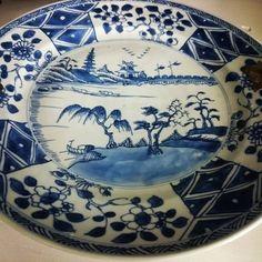 #chineseporcelain #chineseart #porcelain #antiqueporcelain #porcelainart #asianart #antiquedealer #antique #ceramics #chorusbotha #plate #blueandwhite #sweetmeatdish #silverhandle