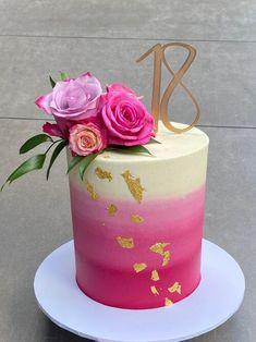14th Birthday Cakes, Elegant Birthday Cakes, Beautiful Birthday Cakes, Gorgeous Cakes, Pretty Cakes, Cute Cakes, Cake Decorating Frosting, Creative Cake Decorating, Cake Decorating Techniques
