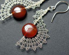 wire jewelry – Bobbin Lace Making Lace Earrings, Lace Jewelry, Crochet Earrings, Jewellery Box, Handmade Jewelry, Hairpin Lace Crochet, Wire Crochet, Crochet Motif, Crochet Shawl