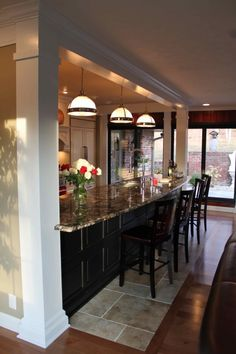 I love this 17' bar area separating the kitchen and dining room