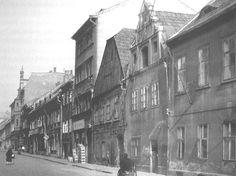 HERRENGASSE - do května 1945 se ulice jmenovala Panská Spaces
