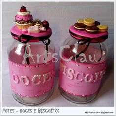 ArtsClau: Potes de doces e biscoitos em biscuit Clay Jar, Fimo Clay, Polymer Clay Charms, Polymer Clay Miniatures, Polymer Clay Creations, Recycled Glass Bottles, Candy Crafts, Clay Figurine, Decorated Jars