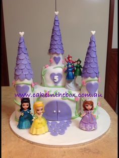 Sofia the first Castle Cake