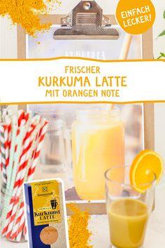 Wir trinken unsere heiß geliebte Goldene Milch auch im Sommer! Diese feine, kalte Variante mit frischer Orangennote mögen wir besonders gerne! Probiert sie aus! #kurkumalatte #goldenemilch #rezept #sommer #kurkuma #tumeric #goldenmilk #sommergetränk #sommercocktail #virgincocktails #rezeptidee #sommerparty #grillparty #sommerfest #detox #sonnentor Orange, Superfood, Latte, Smoothies, Breakfast, Bowls, Turmeric, Summer Cocktails, Ice Cream Pops
