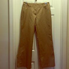 """Worthington Curvy Fit Size 12 Khakis Worthington Curvy Fit Size 12 Khakis. NWOT. Lying flat, measures 17"""" across waist and have a 30"""" inseam. Thick, great quality, khakis! Worthington Pants Straight Leg"""