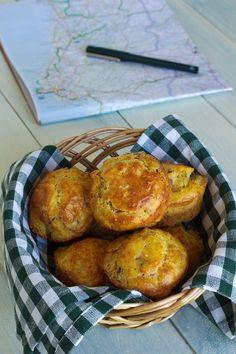 Cinco Quartos de Laranja: Queques de bacon e queijo para uma viagem de carro