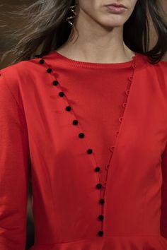 Adeam at New York Fashion Week Fall 2018 - Details Runway Photos Neck Designs For Suits, Neckline Designs, Dress Neck Designs, Blouse Designs, Fancy Dress Design, Stylish Dress Designs, Designs For Dresses, Simple Kurta Designs, Kurta Designs Women