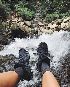 いいね!80件、コメント1件 ― FITS socksさん(@fitssocks)のInstagramアカウント: 「@chloerummel living life on the edge at Grotto Falls #fitssocks」