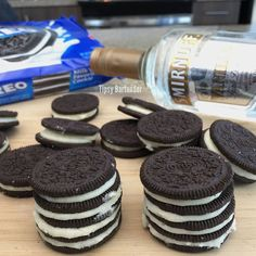 Drunken Oreos - For more delicious recipes and drinks, visit us here: www.tipsybartender.com